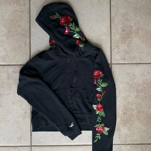 HOLLISTER Cropped Rose Hoodie Black